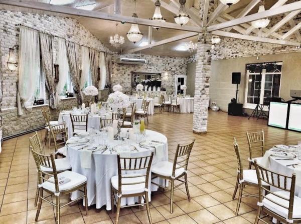 pokyliu sale vestuvems Vila Santa Barbara  sale pokyliams ir baliams
